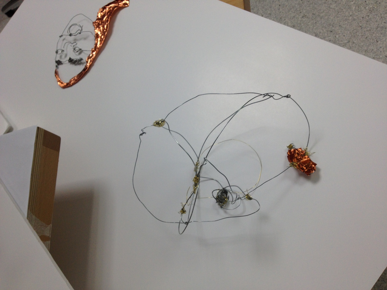 december-2016-drawing-with-wire-made-by-creative-mentor-cara-george-with-fairley-house-studetns-studetns